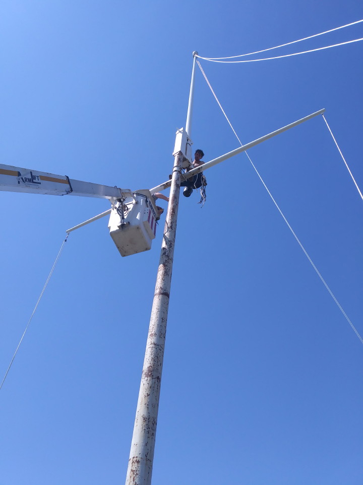 during-60-ft-flapole-repainting-mr-flagpole-maintenance