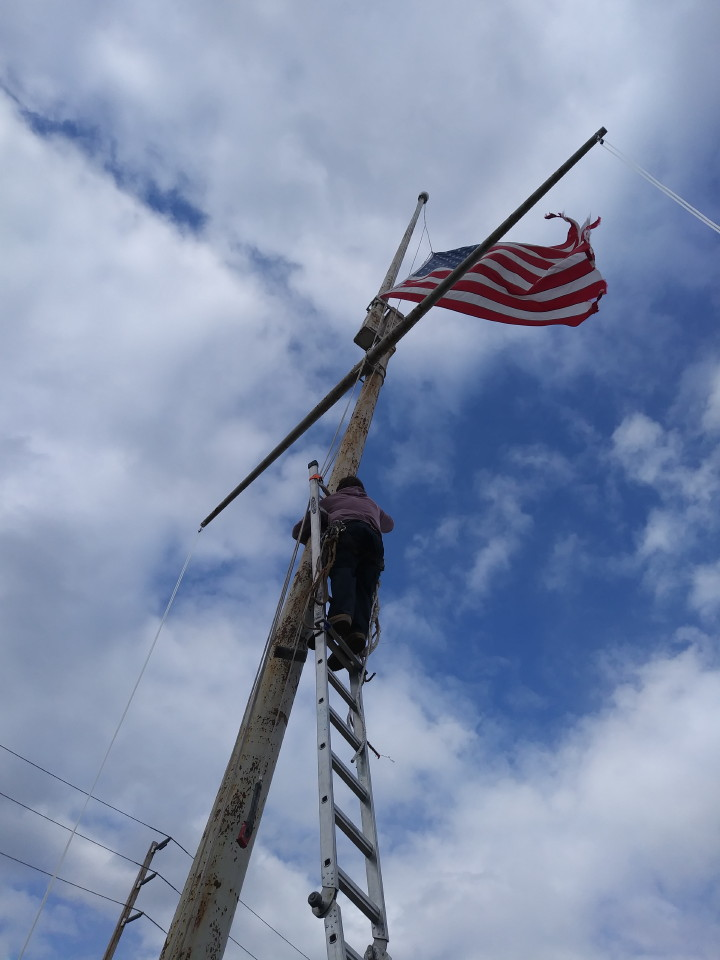 Stuck flag retrieval 60 foot pole - Mr. Flagpole Maintenance